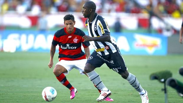 Seedorf no jogo do Botafogo contra o Flamengo (Foto: Jorge William / Ag. O Globo)