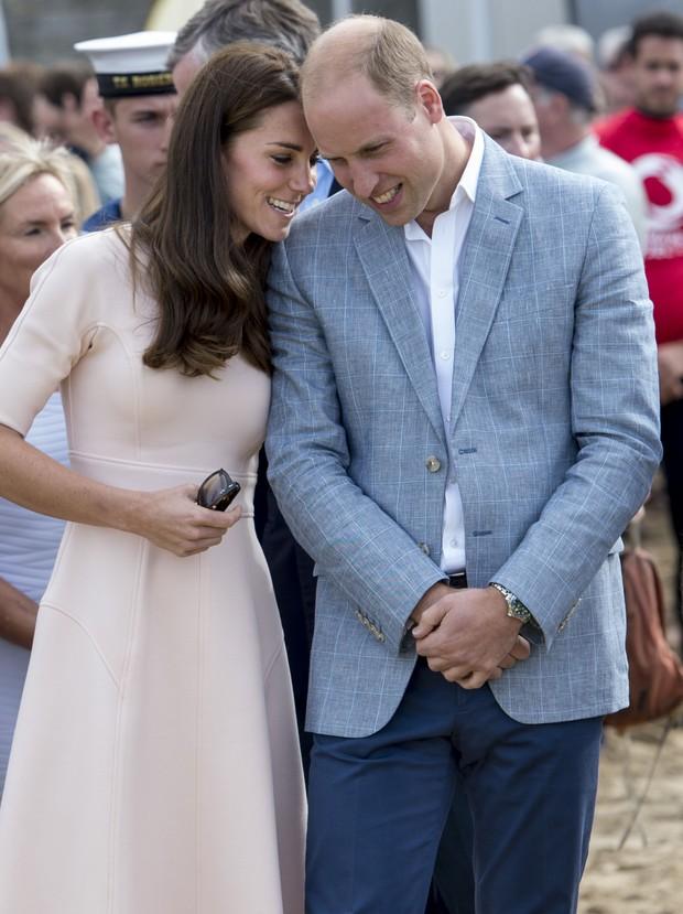 Kate Middleton e Príncipe William visita à catedral Truro, na Cornualha, na Inglaterra (Foto: Getty Image)