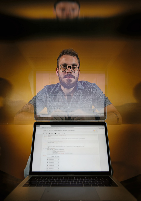 Pedro Vilanova,programador integra a Operação Serenata do Amor,que fiscaliza reembolsos da cota parlamentar (Foto:  Adriano Machado/ÉPOCA)