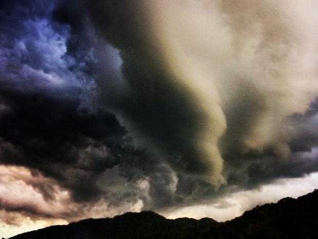 Resultado de imagem para ciclone brasil santa catarina outubro 2016