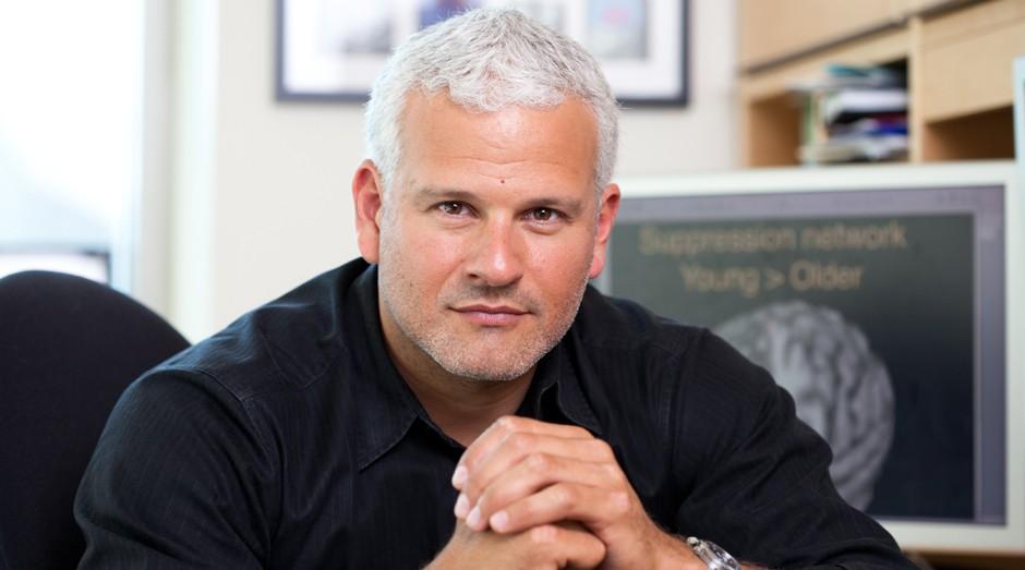 """Adam Gazzaley, professor da Universidade da Califórnia em São Francisco e coautor de """"The Distracted Mind"""" (Foto: Divulgação)"""