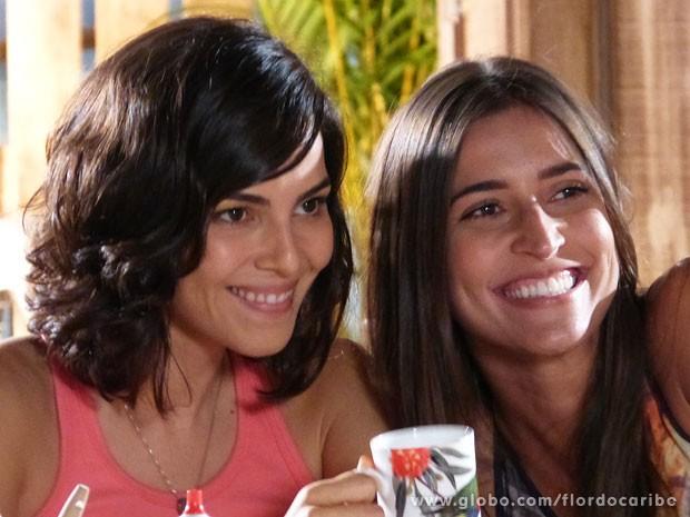 Taíná Müller e Maria Joana: afinidade em cena e na vida real (Foto: Flor do Caribe / TV Globo)