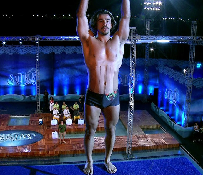 Mariano se prepara para seu salto (Foto: Globo)