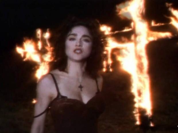 """Madonna no clipe da música """"Like a Prayer"""", do disco de 1989 que leve o mesmo nome (Foto: Reprodução/Youtube)"""
