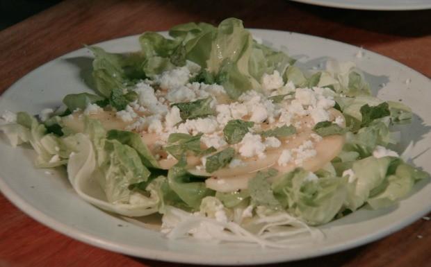 Receitas da Carolina: Salada de melo com erva-doce Ep. 4 (Foto: Divulgao / GNT)
