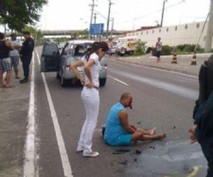 Motociclista fica ferido em acidente na Av. Adélia Franco em Aracaju (SE) (Foto: Reprodução/Trânsito_Aju)