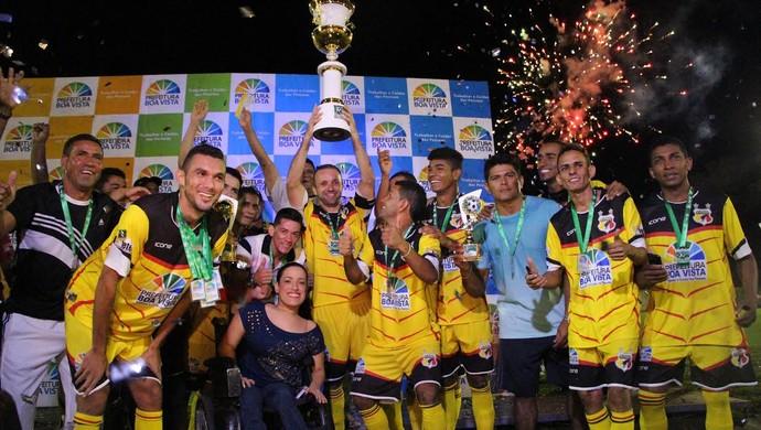 Racing conquista segunda edição da Copa Boa Vista de Futebol Amador (Foto: Ivonísio Júnior)