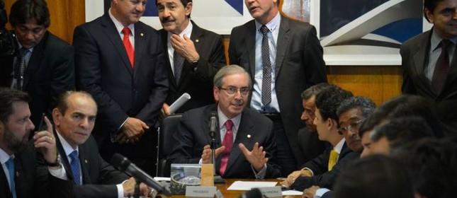 O presidência da Câmara dos Deputados, Eduardo Cunha, coordena reunião de líderes  (Foto: Wilson Dias / Agência Brasil)