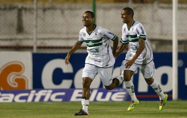 Ivonaldo gol Icasa (Foto: Marcello Zambrana / Ag. Estado)