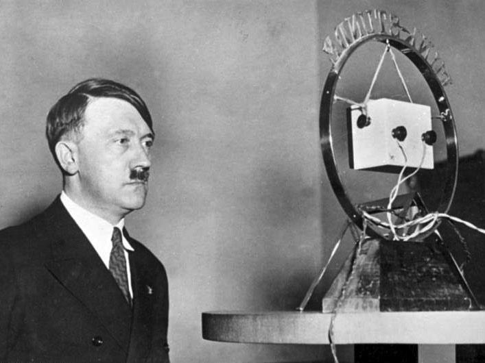 A utilização dos meios de comunicação foi essencial para que a propaganda nazista chegasse à sociedade alemã (Foto: Wikimedia Commons/ Arquivo Federal da Alemanha)