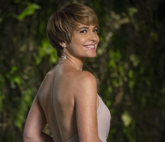 Claudia Abreu adotou o corte 'joãozinho' para interpretar Helô (Foto: Felipe Monteiro/Gshow)