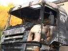 Caminhão pega fogo e deixa tráfego  lento em rodovia de Jundiaí