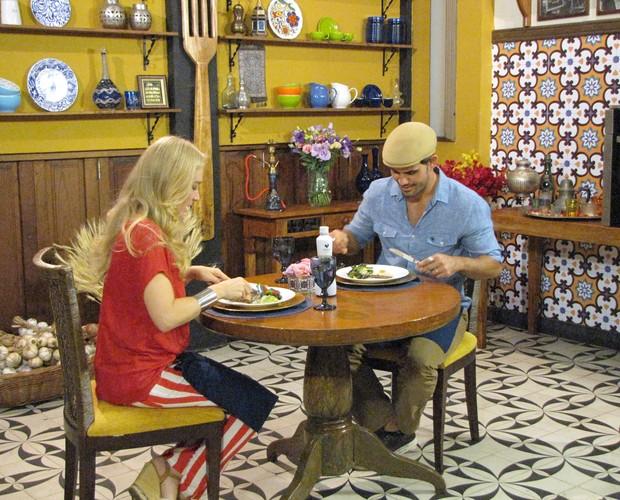 Juliano Cazarré e Angélica (Foto: Estrelas/TV Globo)