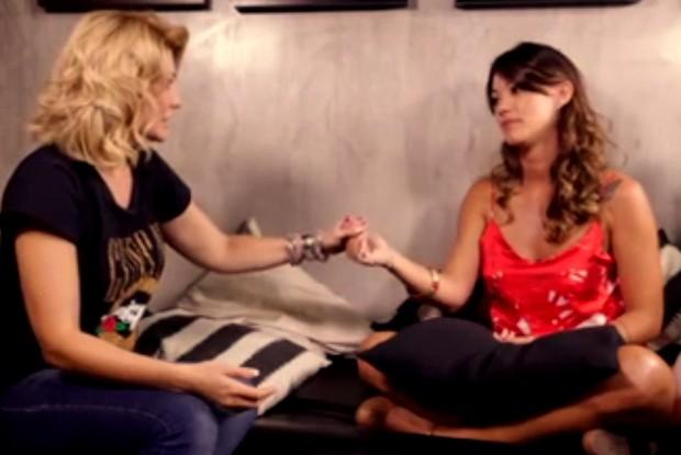 Antônia Fontenelle e Kamilla Fialho durante entrevista para o programa Na lata (Foto: Reprodução)
