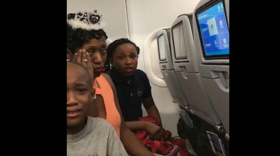 Família viajava para comemorar os 40 anos da mãe  (Foto: Reprodução Twitter)