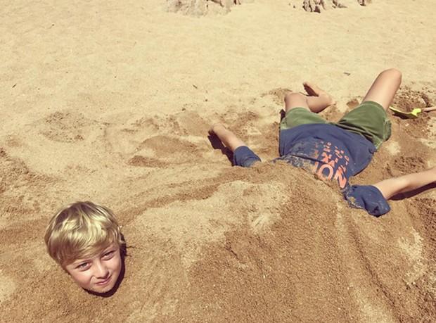 Benício e Joaquim em foto divertida (Foto: Reprodução)