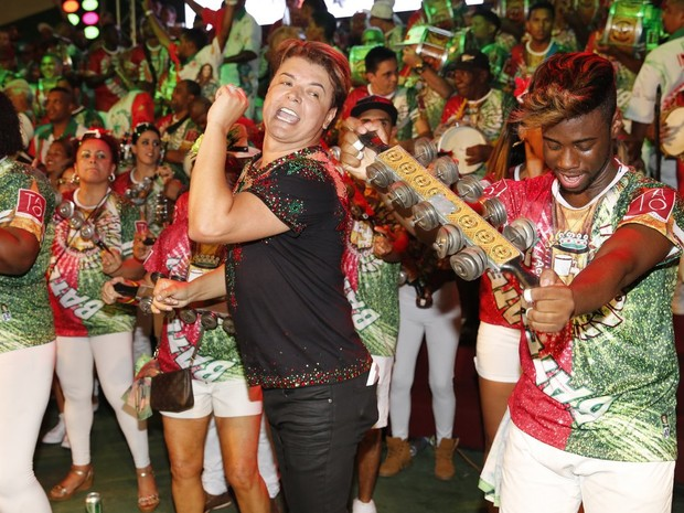 David Brazil na quadra da Grande Rio, em Duque de Caxias, na Baixada Fluminense, no Rio (Foto: Marcos Serra Lima/ EGO)