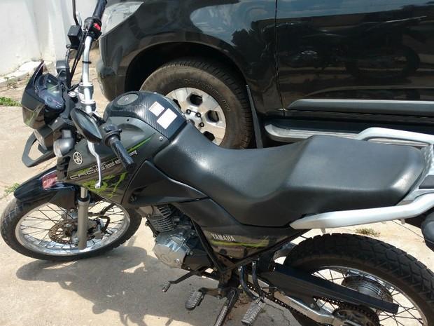 Moto usada por homem para dar carona a adolescente e depois estuprá-la, no norte da Bahia (Foto: Divulgação/ Polícia Civil)
