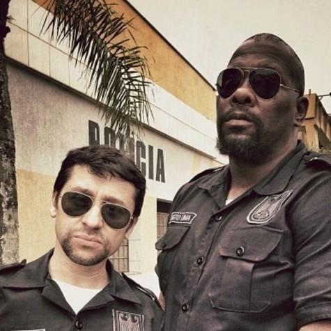 """Tadeu Melo e Thogun Teixeira filmam """"A estrada do diabo""""  (Foto: Divulgação)"""