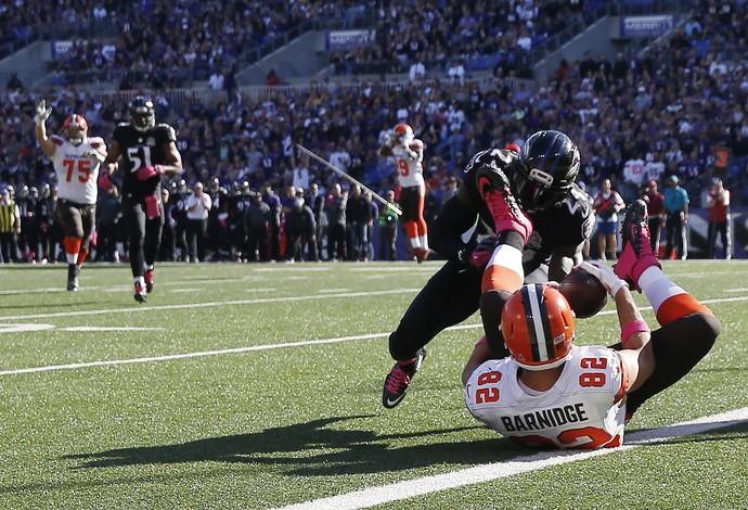 Gary Barnidge recepção incrível Cleveland Browns x Baltimore Ravens NFL (Foto: Getty Images)