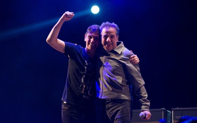 Paulo Miklos e Nasi, do Ira!, fazem parceria de sucesso no palco do João Rock 2016 (Foto: Érico Andrade/Gshow)