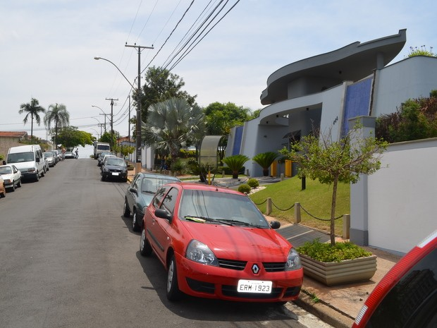 Frente de condomínio onde ocorreu tiroteio em Piracicaba (Foto: Thomaz Fernandes/G1)
