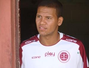 Carlos Vitor, meia da Desportiva Ferroviária (Foto: Bruno Marques/Globoesporte.com)