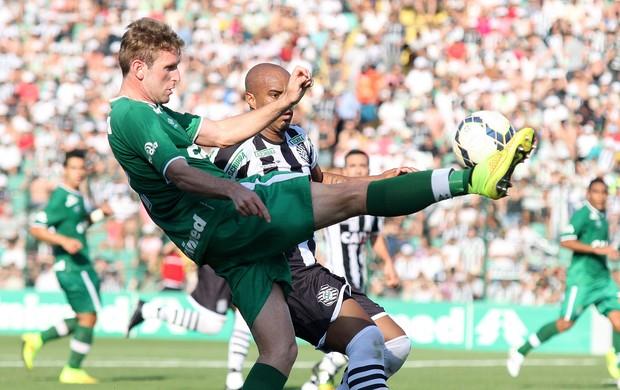 Fabiano e Thiago Heleno, Figueirense x Chapecoense (Foto: Getty Images)