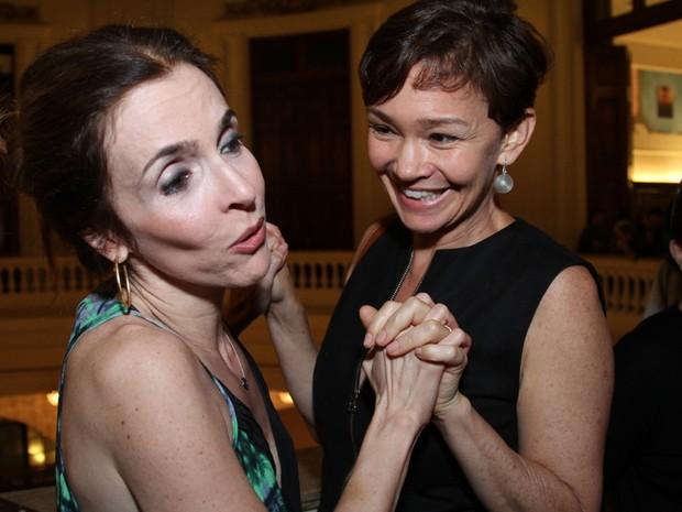 Deborah Evelyn e Júlia Lemmertz em estreia de peça no Centro do Rio (Foto: Anderson Borde/ Ag. News)