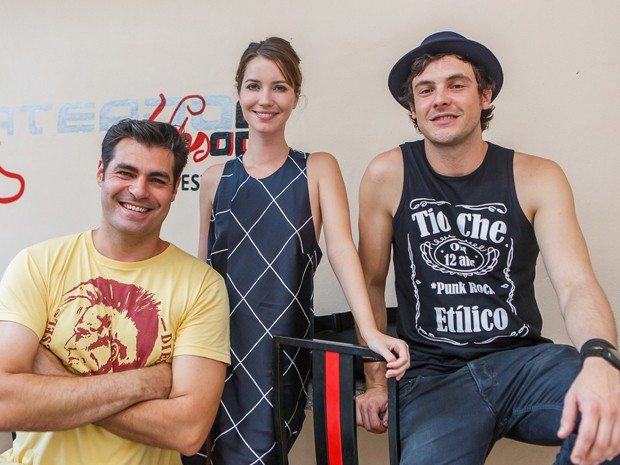 Thiago Lacerda, Nathalia Dill e Sergio Guizé em total sintonia (Foto: Artur Meninea/ Gshow)