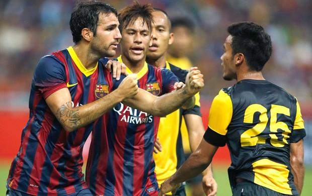 Fabregas confusão Barcelona e Combinado da Malásia  (Foto: Agência AP)