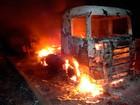 Cabine de carreta fica destruída na BR-242 (Jadiel Luiz/Blog Sigi Vilares)
