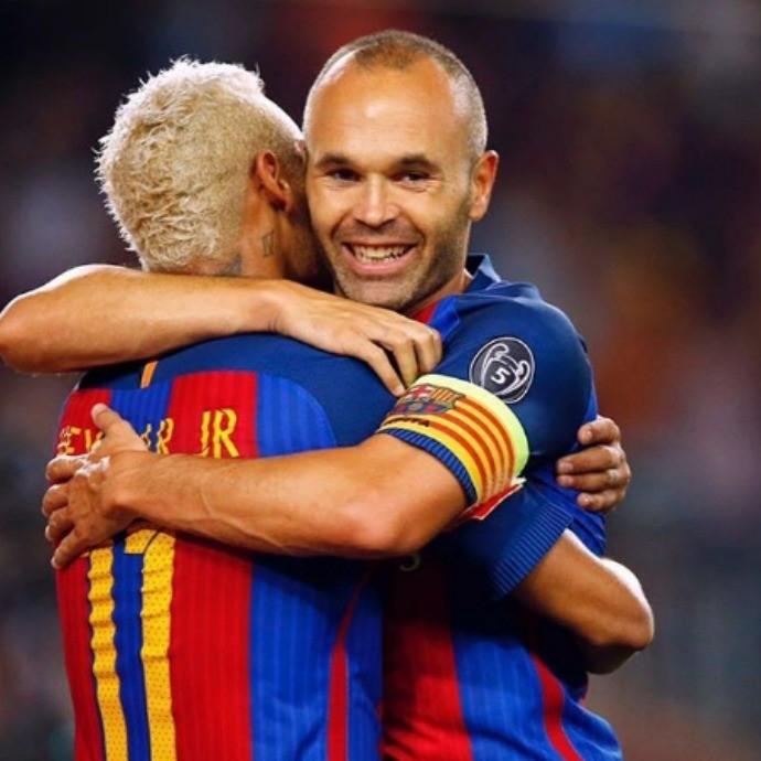 """BLOG: Neymar manda mensagem de apoio para Iniesta, lesionado: """"Força, irmão"""""""