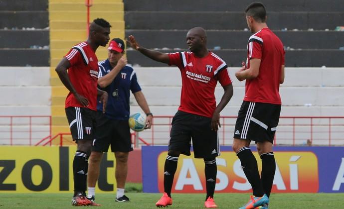 Zé Roberto nega que jogadores estejam mal fisicamente (Foto: Luis Augusto/Ag. Botafogo)
