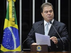 O senador Gim Argello (PTB-DF) no Plenário do Senado (Foto: Pedro França/Agência Senado)