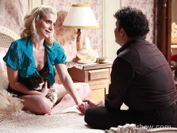 Joel não tem coragem de romper parceria com Lola (Foto: Ellen Soares/TV Globo)