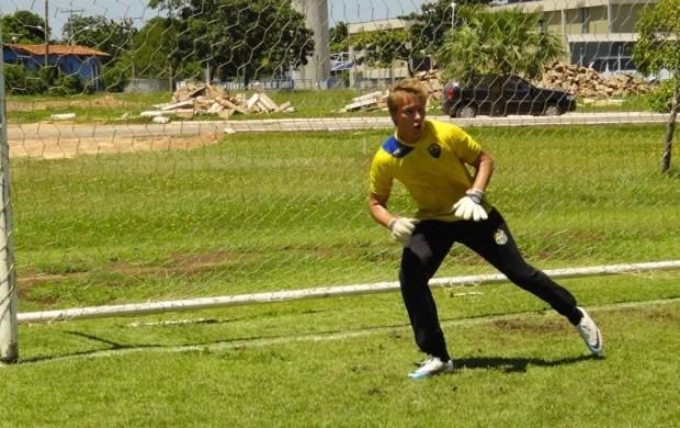 Gatti treina cobranças de pênalti a exaustão para a final do Mato-grossense (Foto: Assessoria/Cuiabá)