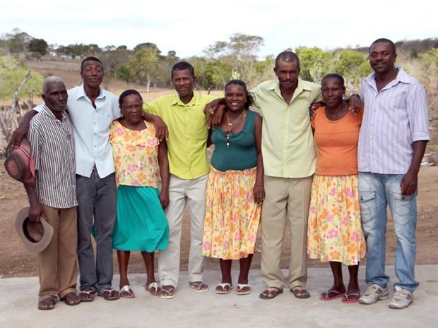 Amigos e vizinhos camponeses formaram o grupo Samba Raízes de Tocos, da Bahia. (Foto: Adenor Gondim/Divulgação)