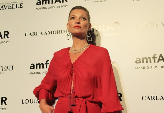 Kate Moss no baile de gala da amfAR (Foto: Celso Tavares / EGO)