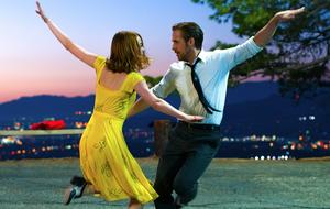 Emma Stone e Ryan Gosling encantam no trailer de 'La La Land'