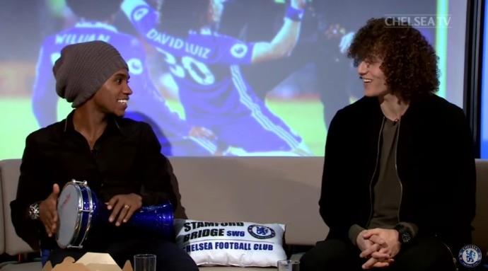 BLOG: Willian e David Luiz tocam pagode e ligam para Kaká em programa da Chelsea TV