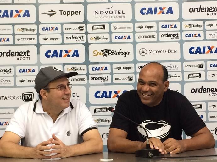 Wagner durante apresentação do Tour do Estádio Nilton Santos (Foto: Twitter oficial do Botafogo)