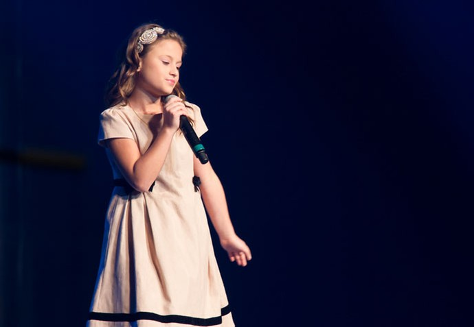 """Foi ao som de """"O Caderno"""", que Rafa abriu o primeiro show dela (Foto: Eduardo Alexandre/CWB)"""