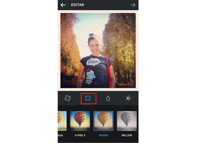 Para incluir bordas no Instagram, aperte o ícone quadrado abaixo da imagem (Foto: Reprodução/Taysa Coelho)