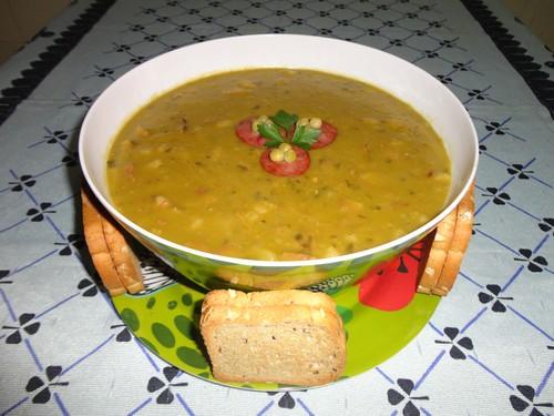 Sopa de Ervilha Holandesa