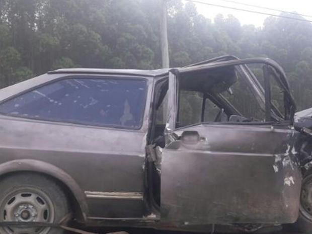 Batida aconteceu na rodovia Sebastião Ferraz de Camargo Penteado (SP-250) (Foto: Divulgação/Polícia Militar Rodoviária)