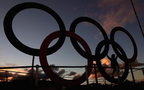 Os anéis olímpicos no Rio de Janeiro (Foto: Getty Images)