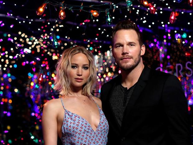Jennifer Lawrence e Chris Pratt em sessão de fotos para divulgar filme em Los Angeles, nos Estados Unidos (Foto: Mario Anzuoni/ Reuters)