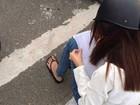 Motociclista recebe punição bizarra no Vietnã ao ser vista na contramão