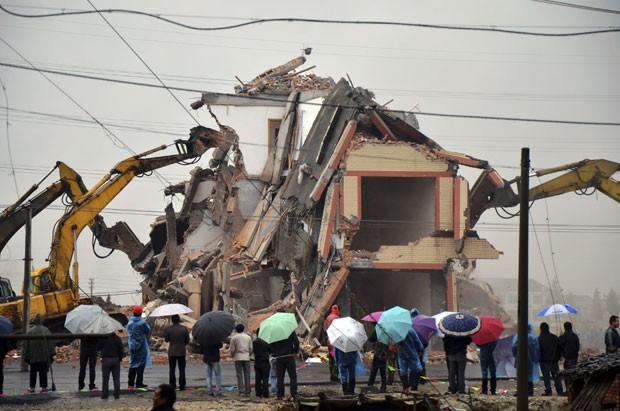 Casal de idosos lutou durante quatro anos contra a demolição.  (Foto: AP)